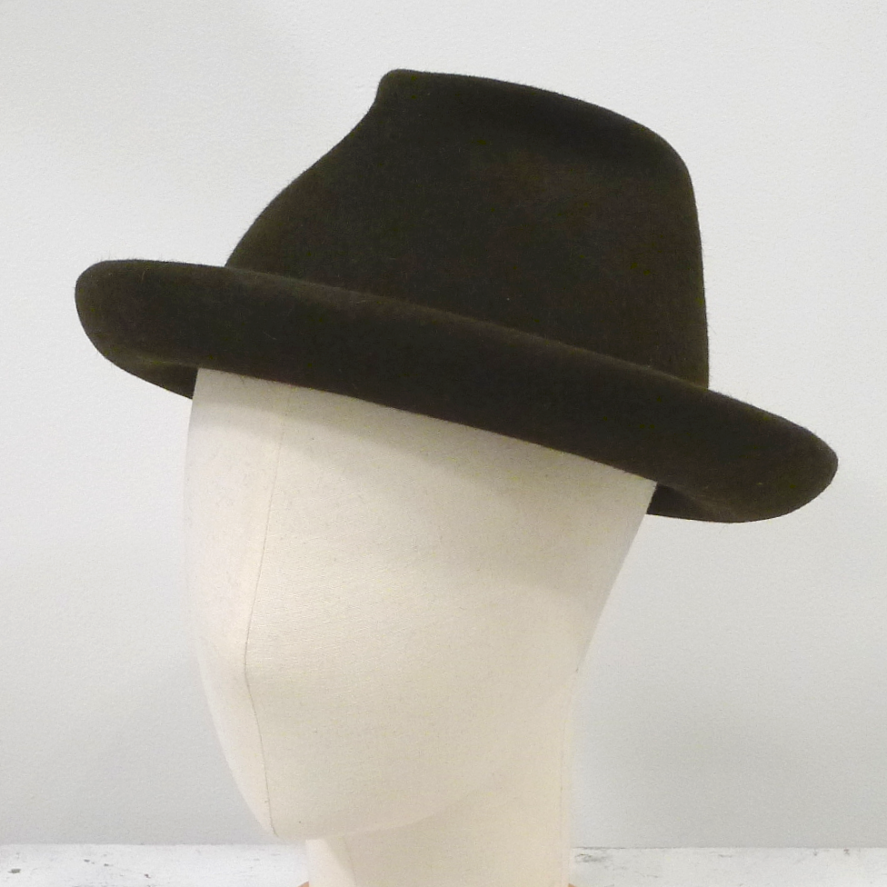 Mens shallow fedora P1010463 a.png