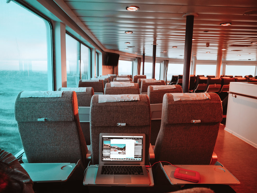 Picture editing on a Ferry to the Lofoten
