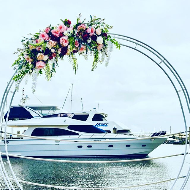 Our amazing new circular arbour 💕😍 Available for hire  at our Hire Shop online #weddingabour #weddingpackage #weddingstyling #weddings #gcweddings #goldcoastweddinghire #goldcoastwedding #brisbanewedding #weddingfloral #weddingplanning #weddinginspo #amazingweddings #goldcoastbride #brisbanebride #bride #elopement #destinationwedding