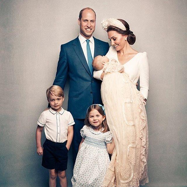 Family, celebrate it! #royalfamily #family #lovetheoneyourewith #princesskate #parenthood #justamumgettingitdone #mumandbaby #familylife #familylove #twokidsandababy