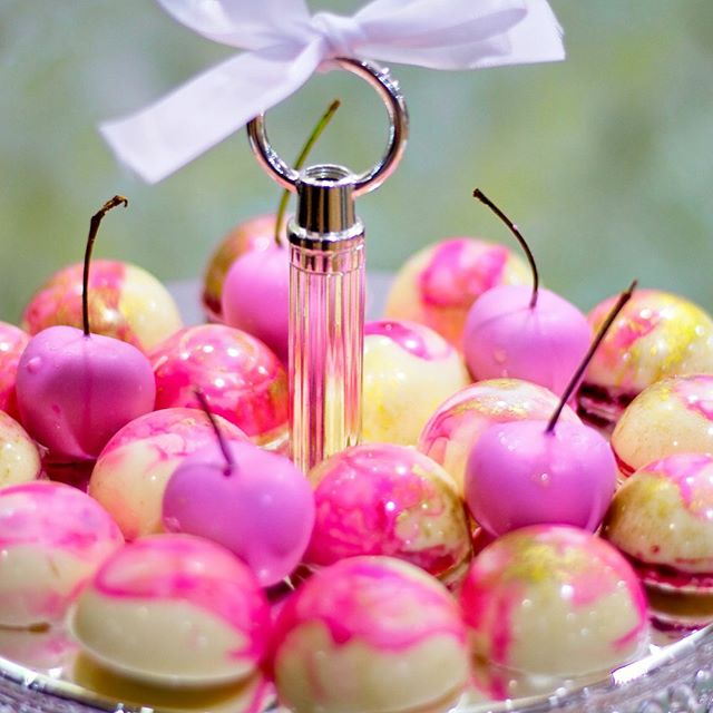 These chocolate gems and cherries dipped in chocolate are literally #amazeballs created by our @sugarizeevents  #dessert #food #instafood #yummy #delicious #foodporn  #sweets #wedding #love #weddinginspiration #weddingday #bride #weddingpackage #weddinginspiration #popupwedding #popupweddings #gcpopupweddings #goldcoastbride #gcwedding #goldcoastwedding #weddingstyling #goldcoastpopupweddings  #affordablewedding #destinationwedding #engaged #elope #elopement #weddinghire  #queenslandbride #bride #weddingsideas
