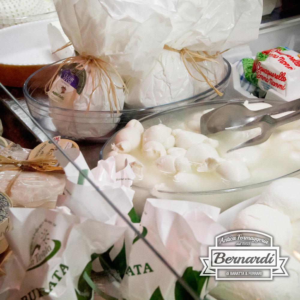 """formaggio... - La parola """"formaggio"""" deriva da """"phormòs"""", termine usato per indicare il paniere di vimine dove veniva depositato il latte cagliato per dargli forma"""