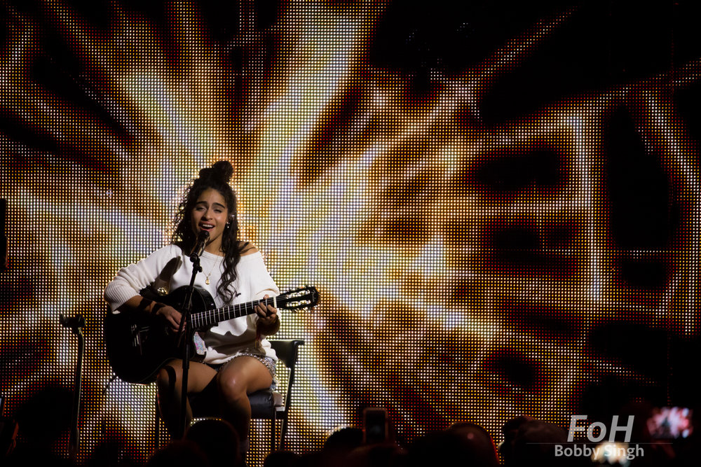 Vancouver, CANADA. 26th March, 2018. Jessie Reyez performs with Daniel Caeser at at the 2018 Juno Awards in Vancouver. Credit: Bobby Singh/fohphoto