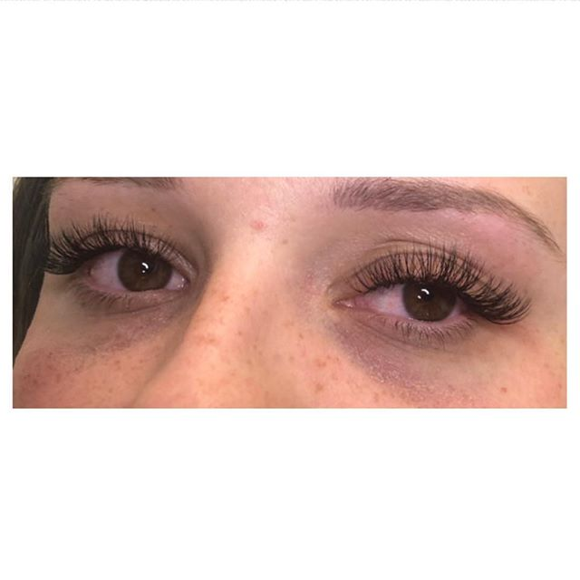 ✨Natural set of Russian lashes for my beautiful bride to be✨ £35-45 individual £50 hybrid £60 Russian  #lashes #lashextensions #russianlashes #beauty #bblogger #beautybloggers #salon #bride #wedding #summer #lash #brighton