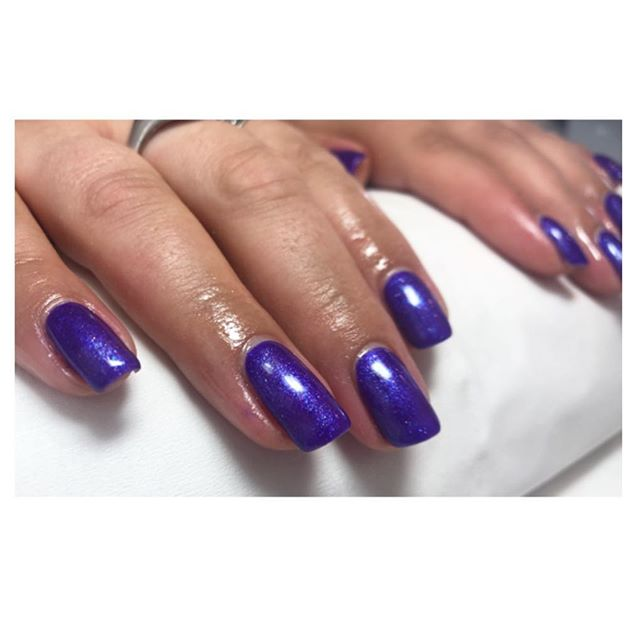 Every time I use a colour I want to change mine💜💙 Gel file & paint £15 Gel manicure or pedi £25  #beauty #salon #brighton #bbloggers #beuty #nails #naildesigns #gelnails #gelpolish