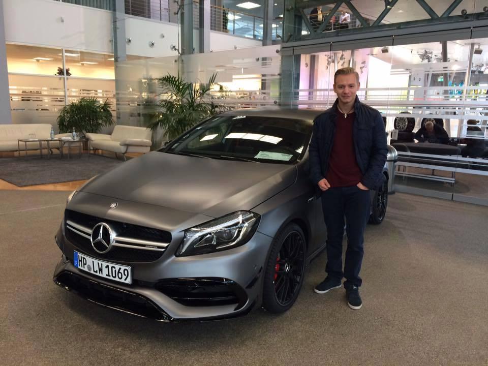 +++ Gratulation an Lucas Wolf +++ Das war ein spannendes und erfolgreiches Jahr für den Motorsportler Lucas Wolf. Inzwischen hat Lucas seine Ausbildung zum Instruktor in der Mercedes-Benz AMG-Driving Academy mit Erfolg abgeschlossen. In diesem Jahr war Lucas für AMG viel unterwegs unter anderem in China, Deutschland, Portugal, Italien, Spanien, und diesen Winter geht es noch nach Schweden. Und als  AMG Instruktor fährt man natürlich auch privat einen AMG. Und zwar den neuen Mercedes-AMG A 45  mit  381 PS hier bei der Übergabe im AMG-Performance Center in Frankfurt. Seine Facebook Fan Page gehört zu den beliebtesten Motorsportler Seiten im Netz und hat nun bereits aktuell 6072 Fans und wächst täglich. Die Seite findet Ihr unter   https://www.facebook.com/Lucas-Wolf-Official-365405603487478/  Ich wünsche Lucas für 2016 weiterhin viel Erfolg!