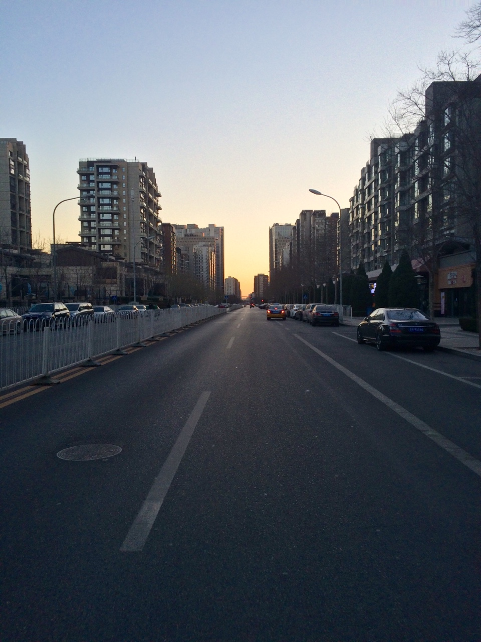 Despite the cold winter weather of December in Beijing, 7 in the morning is perfect for biking