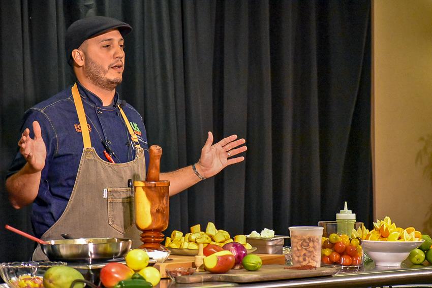 Chef demonstrates how to make mofungo.
