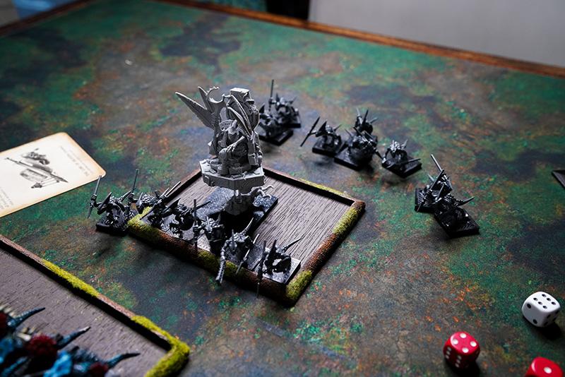 warhammer-fantasy-battle-report-lizardmen-vs-wood-elves-cohort-going-down