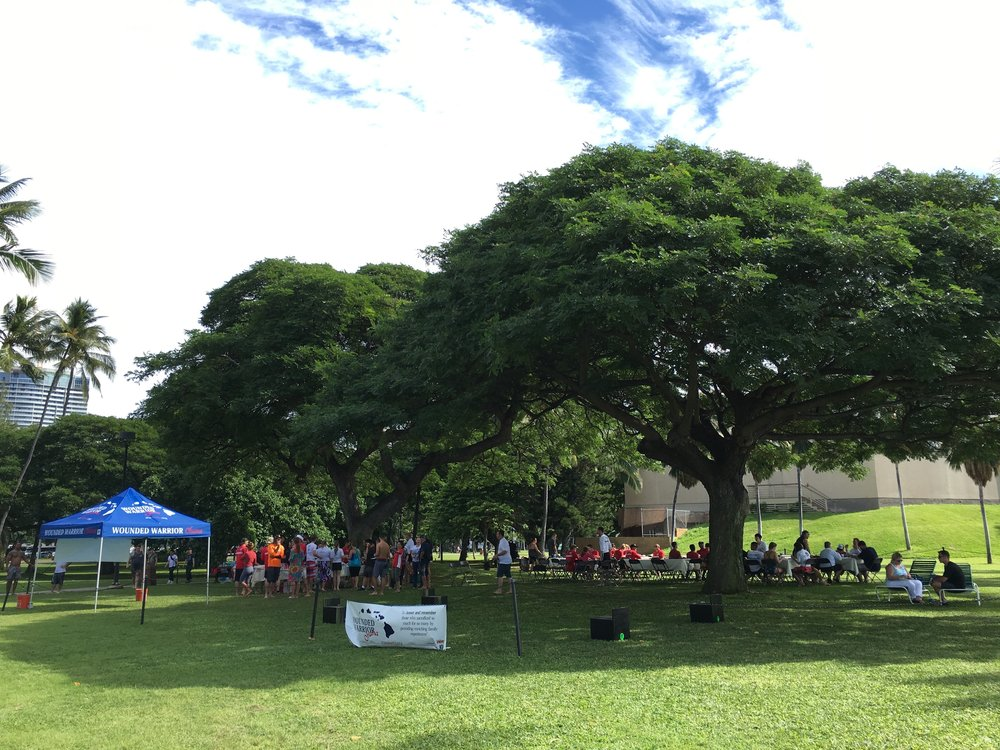 A wonderful day with 'Iolani's Raider for Wounded Warrior Club and the families who serve our great country.    Merry Christmas!