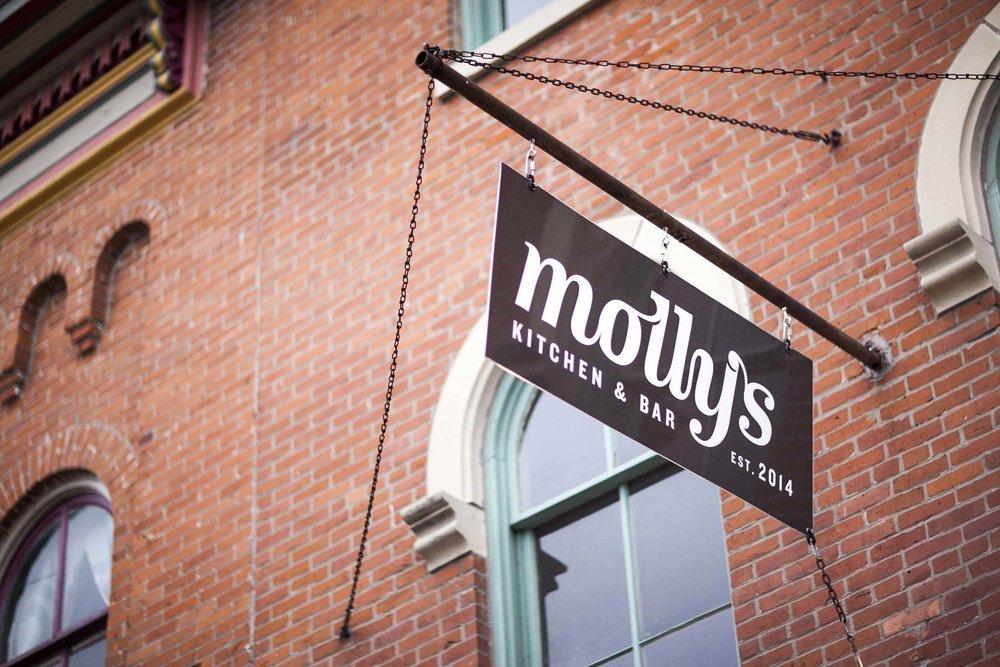 Mollys_Gallery_01.jpg