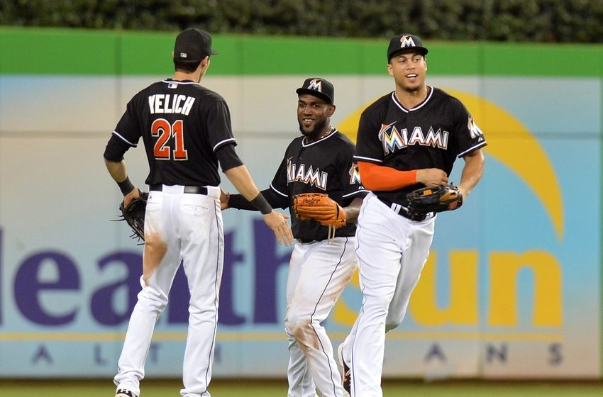 giancarlo-stanton-christian-yelich-marcell-ozuna-mlb-arizona-diamondbacks-miami-marlins1-850x560.jpg