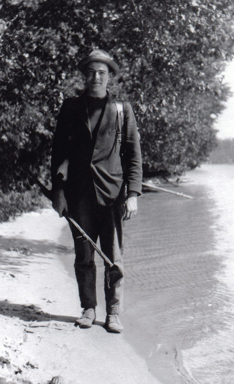 Hem walking Walloon.jpg