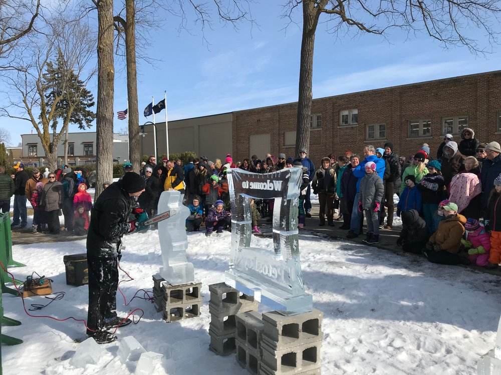 live ice carving.jpg