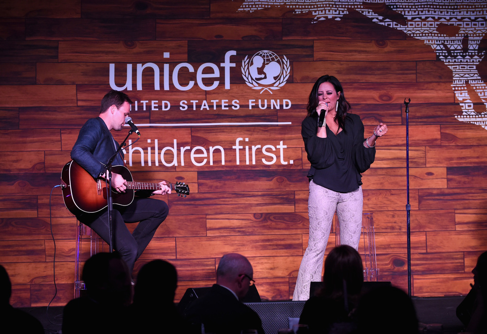 Singer-songwriter Sara Evans performs at the Children First. An Evening With UNICEF on April 15, 2016 in Dallas, Texas. (Photo by Cooper Neill/Getty Images for U.S. Fund for UNICEF)