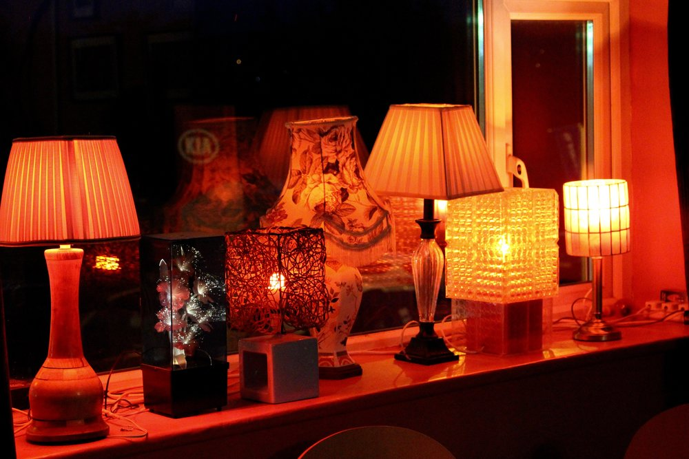 A nice collection of vintage lamps at the windowsill