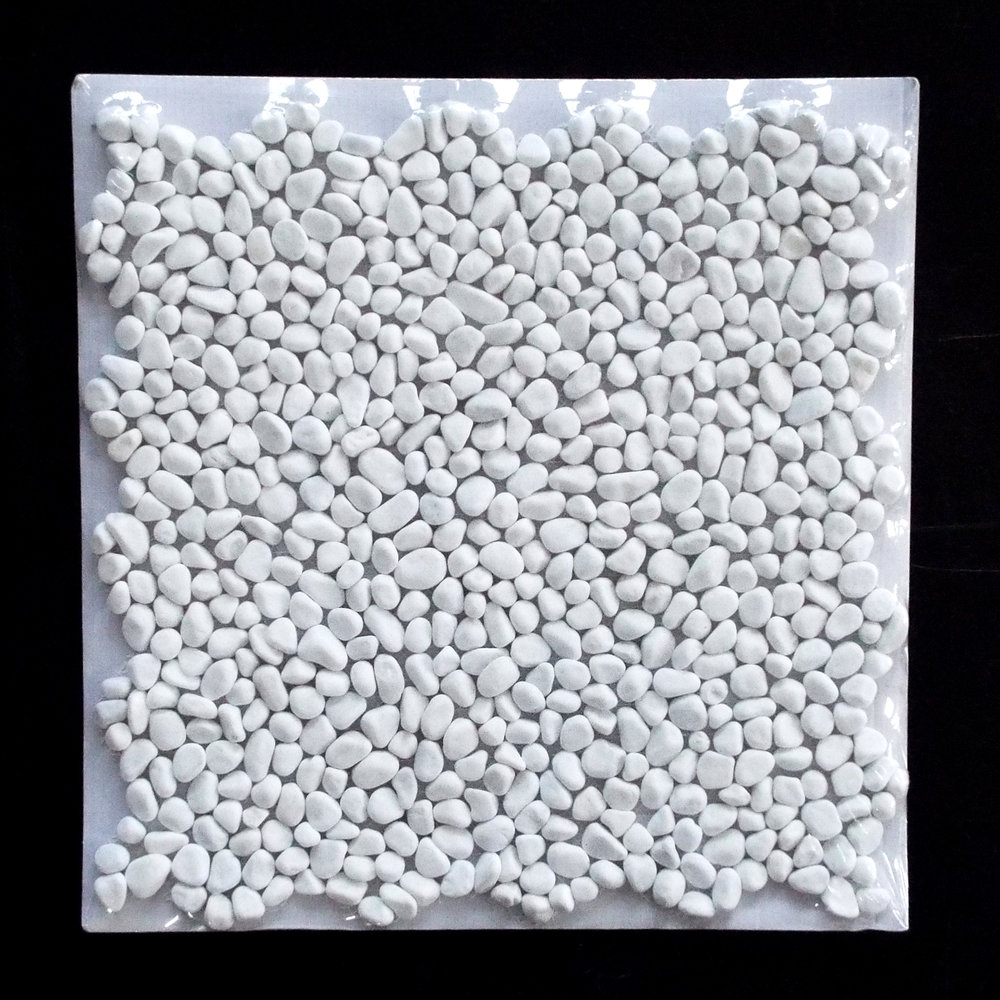 PEBBLE MINI - DOLOMITE   11 PC/CTN (10.76 SF); 50 CTN/PLT  * Each sheet is individually wrapped.