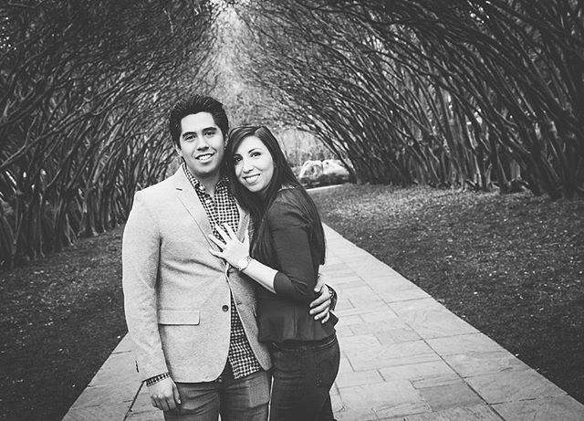 Happy to post Marcela & Daniel's engagement shoot today. @thedallasarboretum #dallasengageshoot #engagementphotos #happycouple #proofphoto #fallindallas #dfwphotographer