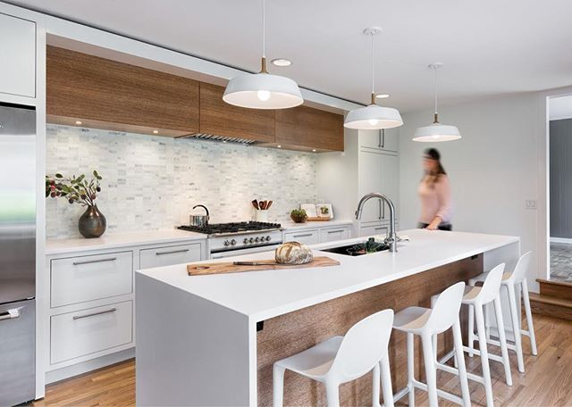 This kitchen is AMAZING. Not just saying that because we built it... Designer/ contractor : @cicada_co  Photo: @jleggphoto