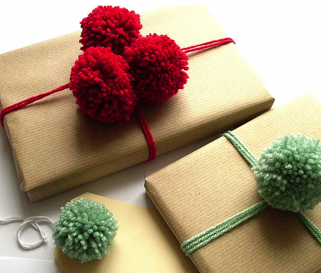 Creative kraft paper wrapping ideas: pom poms