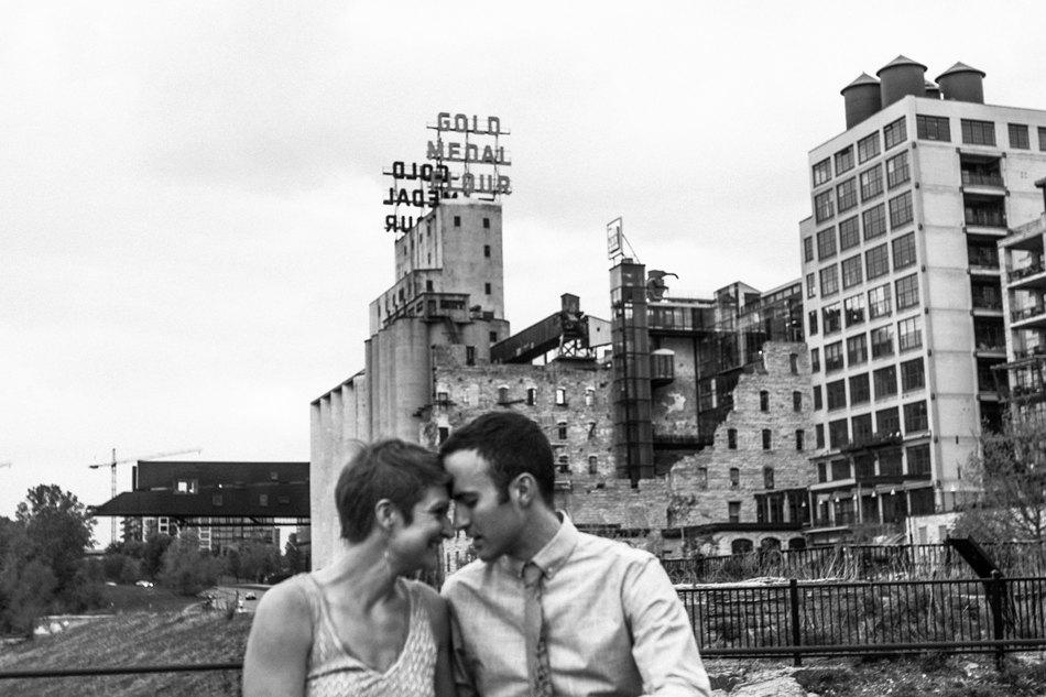 Minneapolis_Wedding_Photographer019.jpg