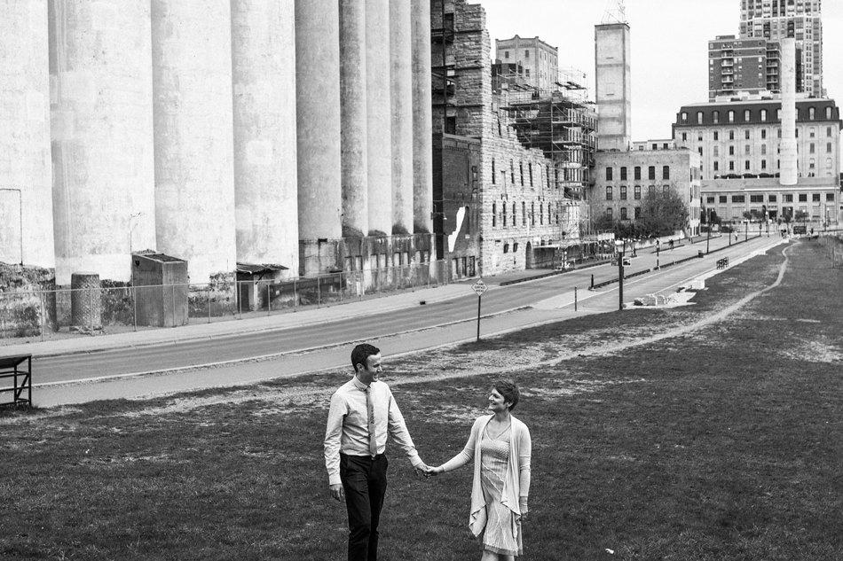 Minneapolis_Wedding_Photographer024.jpg