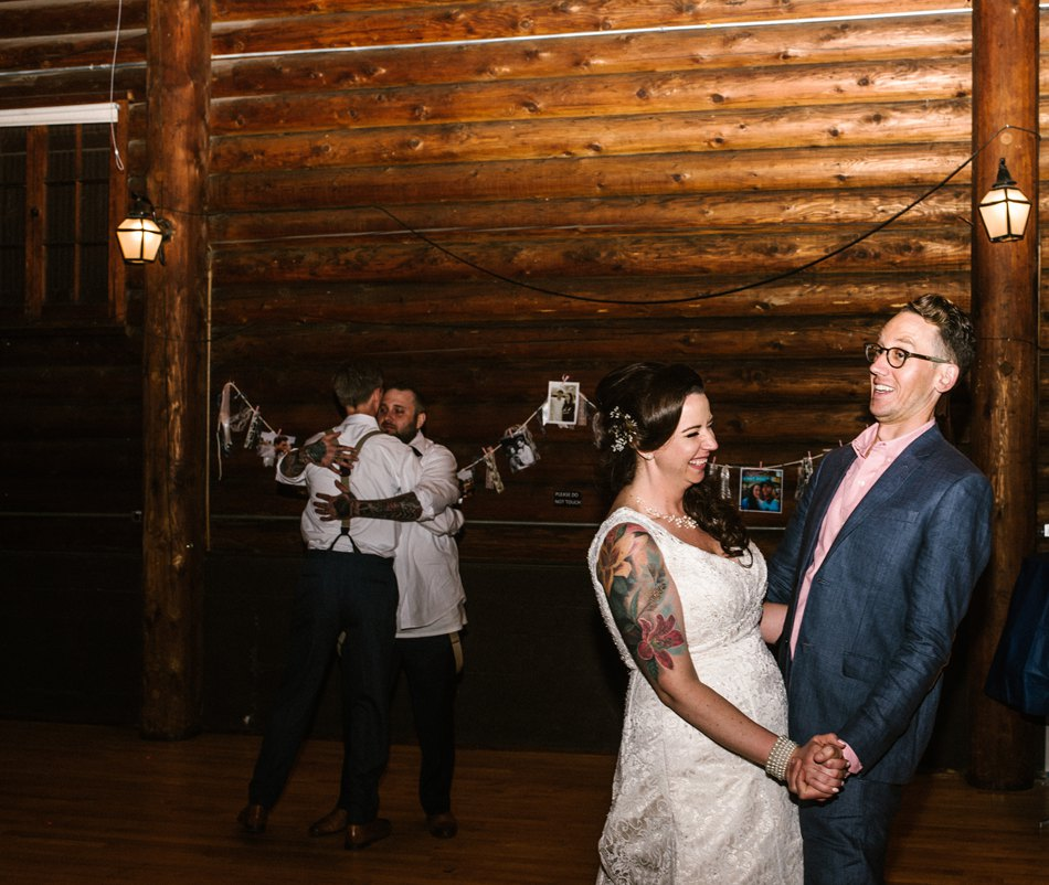 Minneapolis_Wedding_Photographer150.jpg