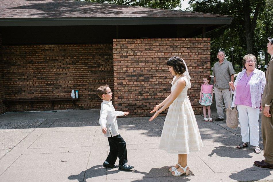 Minneapolis_Wedding_Photographer_0035.jpg