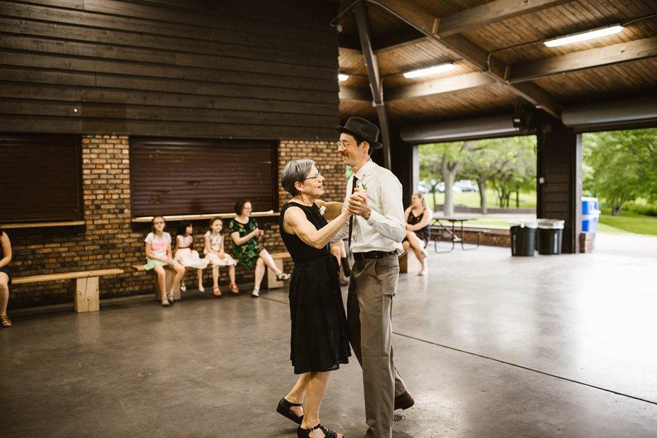 Minneapolis_Wedding_Photographer_0121.jpg