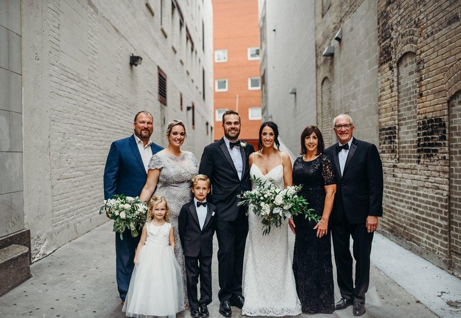 Minneapolis_WeddingPhotographer059.jpg