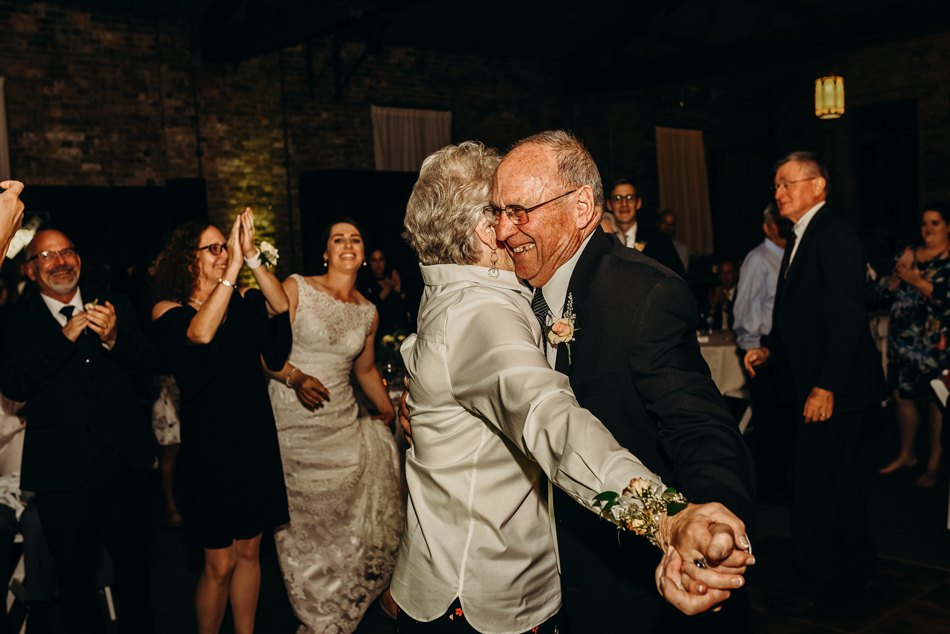 Minneapolis_WeddingPhotographer171.jpg