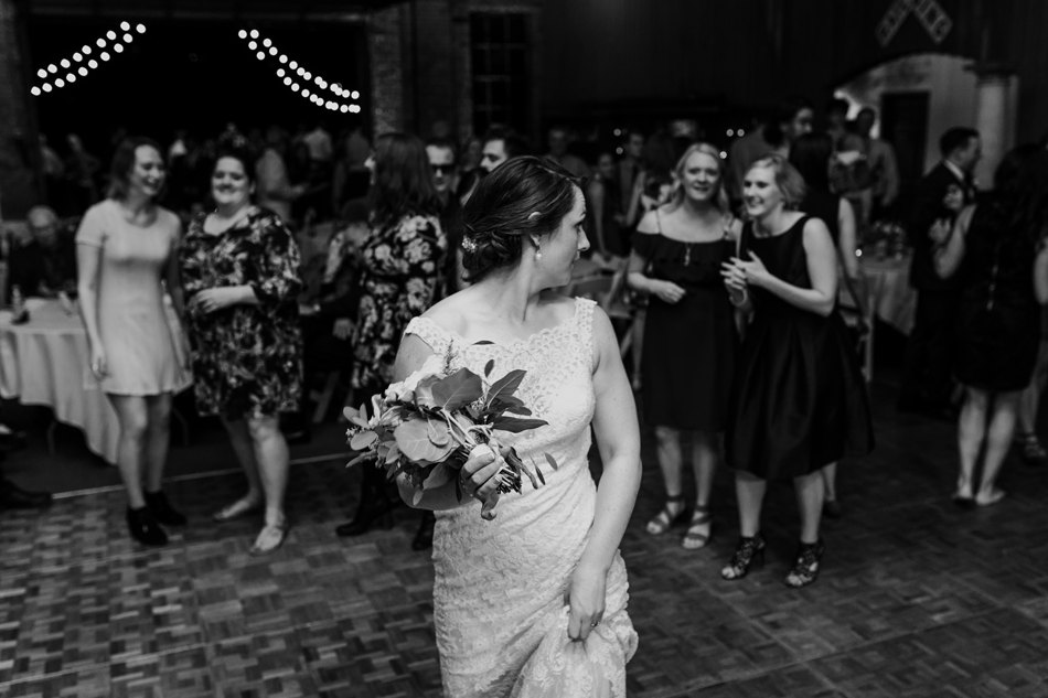 Minneapolis_WeddingPhotographer190.jpg