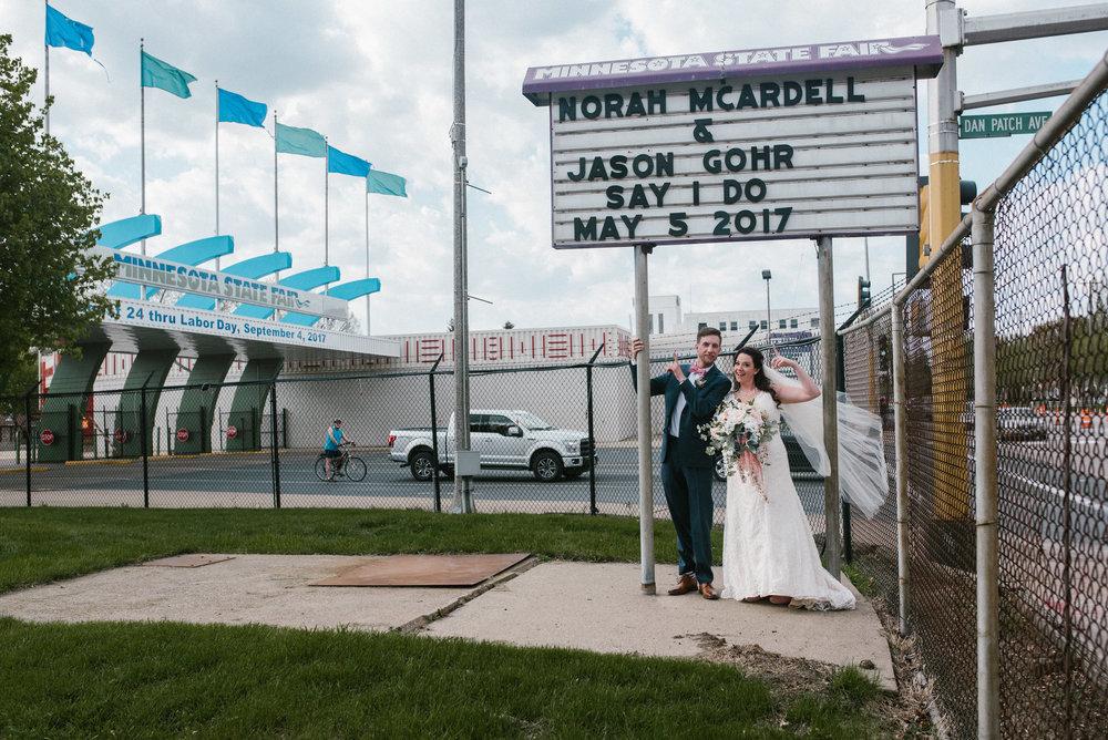 Minneapolis_WeddingPhotographer056.jpg