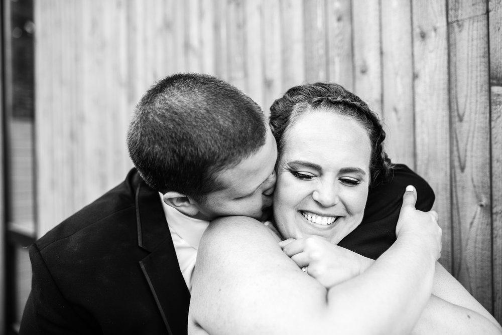 Minneapolis_WeddingPhotographer071.jpg