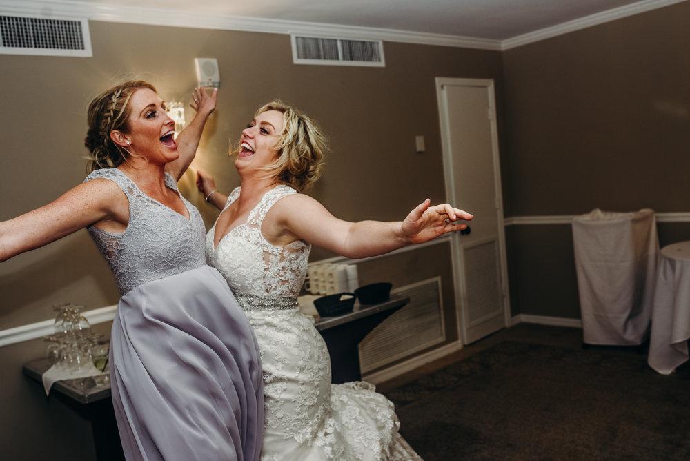 Minneapolis_WeddingPhotographer085.jpg