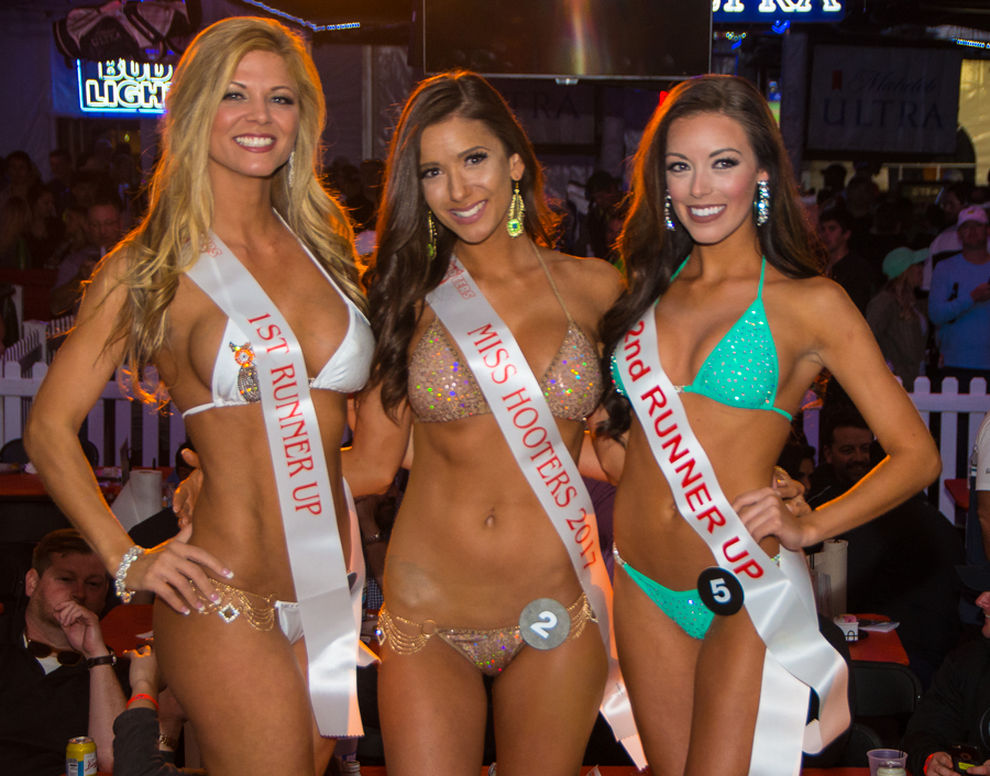 Hooter S Bikini Contest
