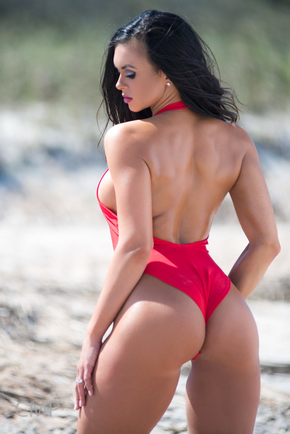Fitness Model and coach Cassandra Bell