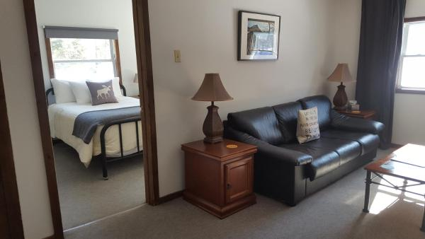 Woodview Suite - Sitting Area