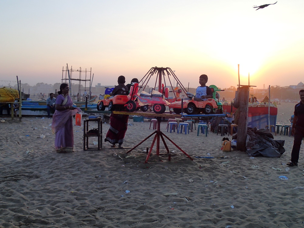 Makeshift carnival on the beach, Chennai