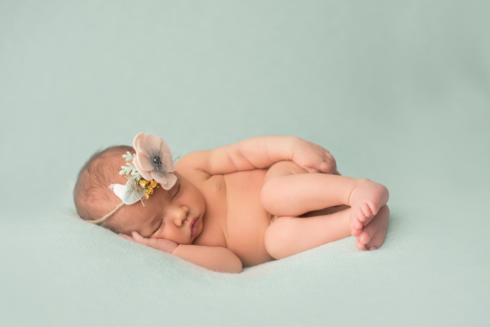 rosemeade-newborn-photographer-mint-colorful-baby-girl