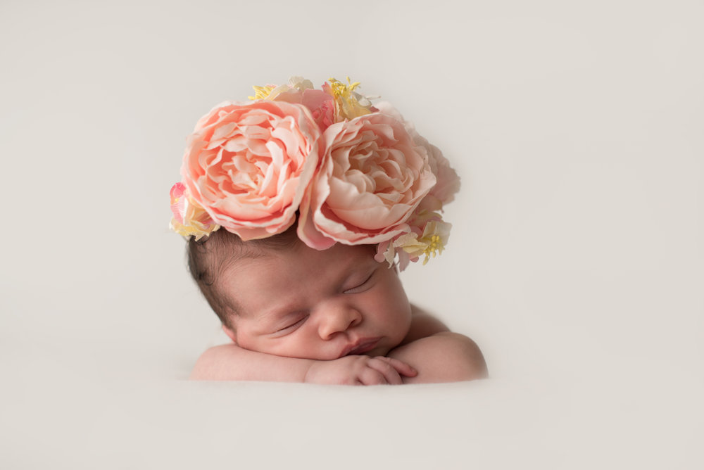 Pasadena-Boutique-Newborn-Photographer-dreamy-studio-newborn-session-baby-girl-105.jpg