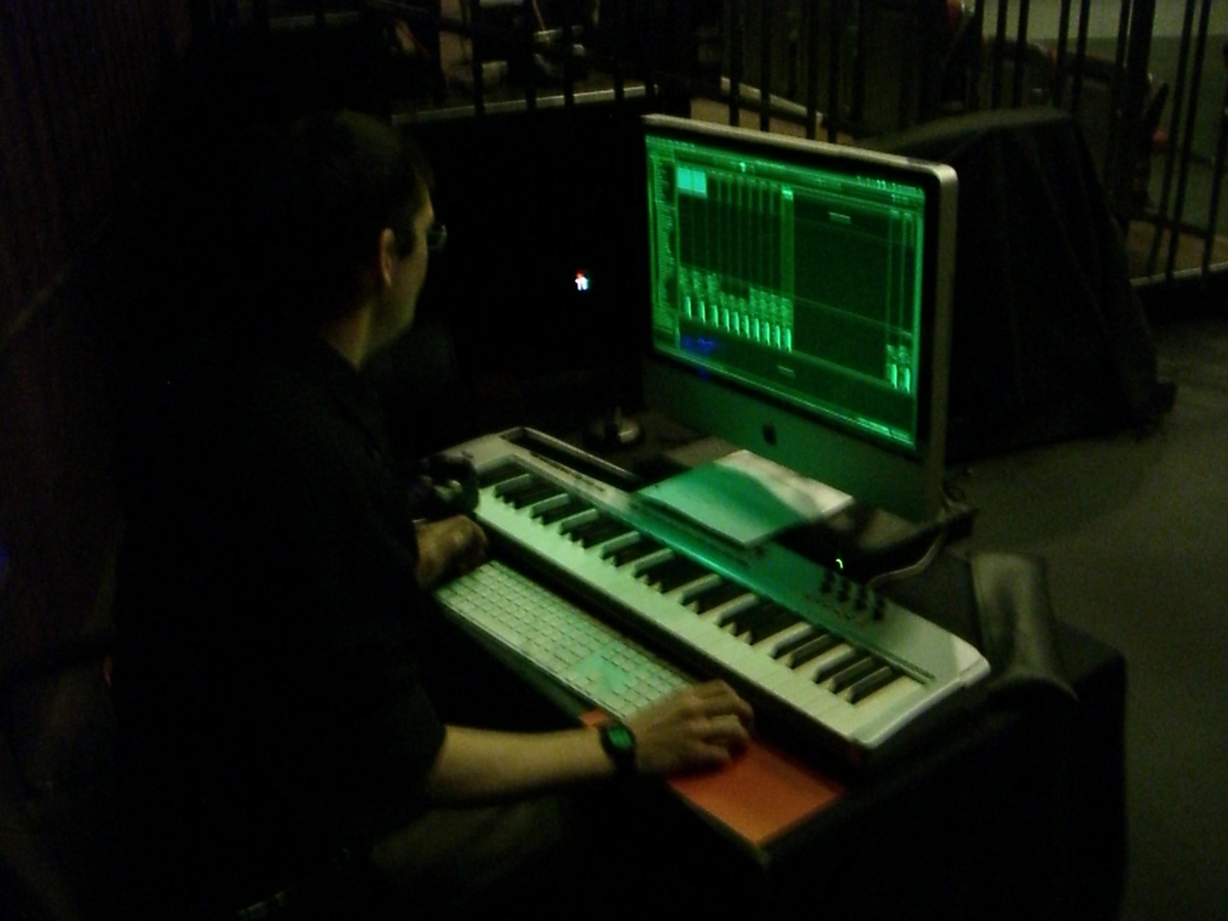 "Jeff Zahos peforming live sound design, Studio Dance I 2012, Nibia Pastrana-Santiago's ""Sweat"""