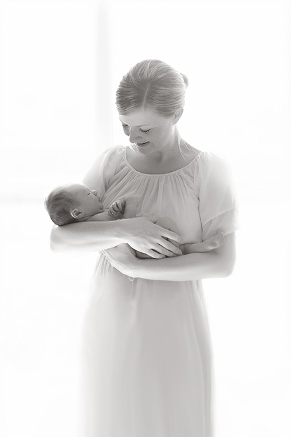 newborn-blackandwhite-studio-posed-107.JPG
