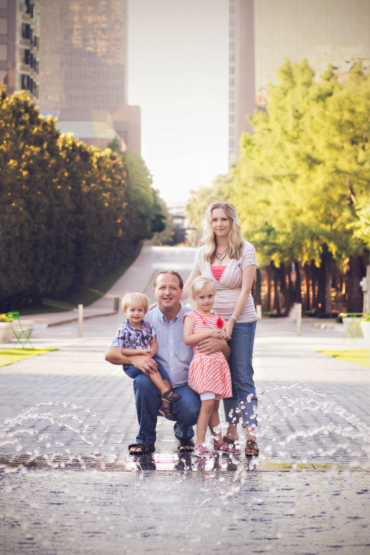 family-outdoors-light-portraits-105.JPG