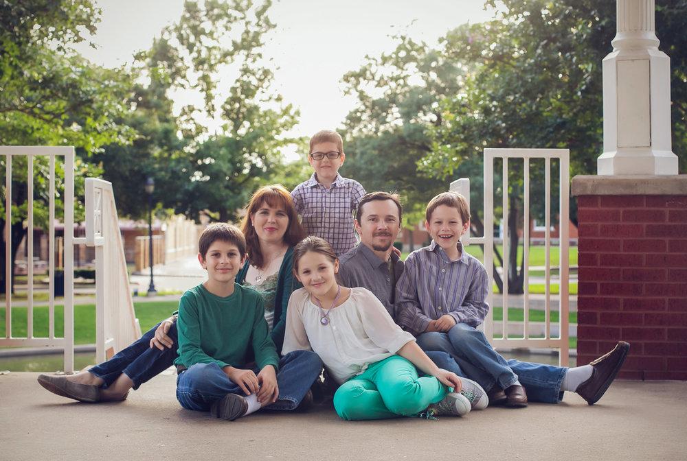 family-outdoors-light-portraits-120.JPG
