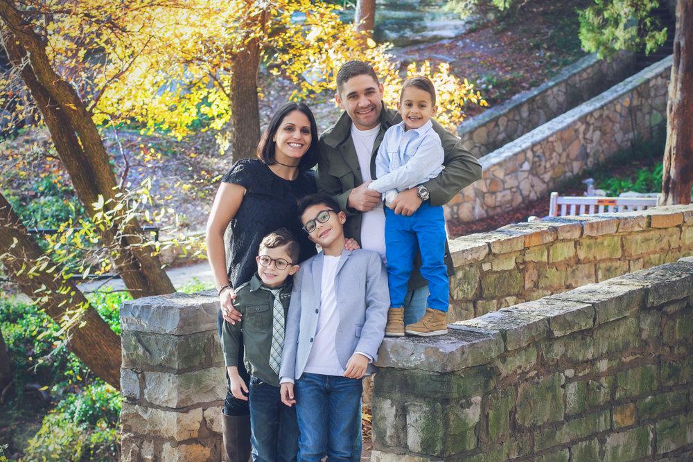 family-outdoors-light-portraits-140.JPG
