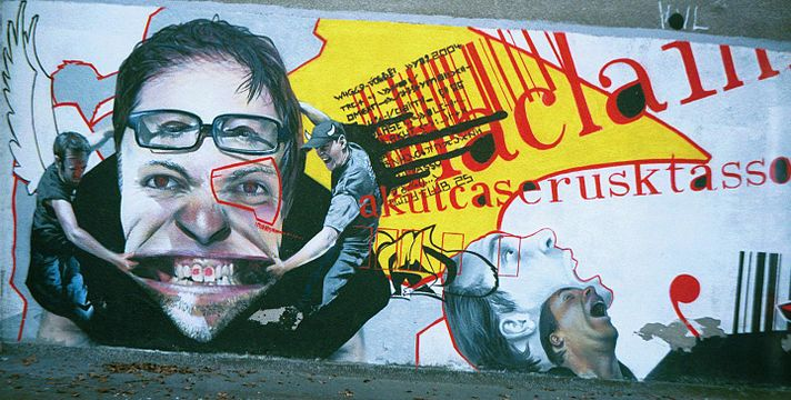 Warsaw-graffiti-face.jpg