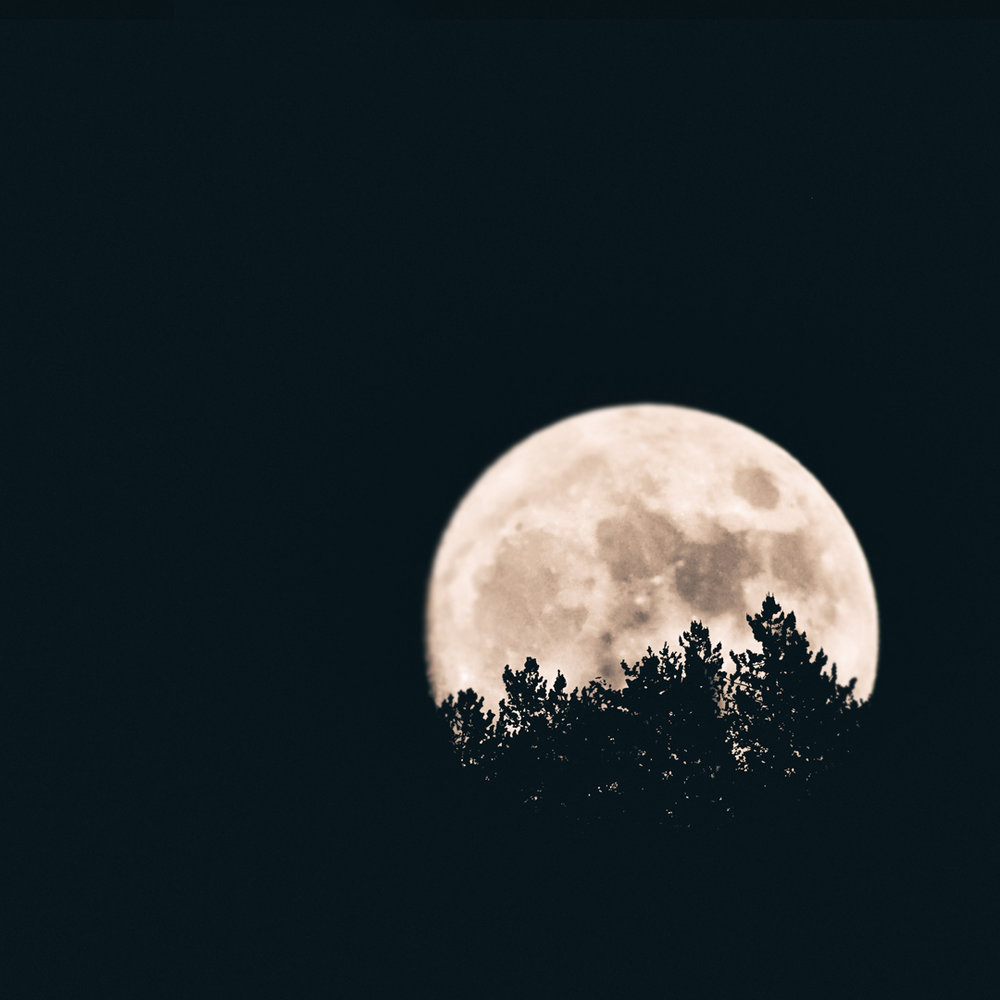 PointsToMoon0.jpg