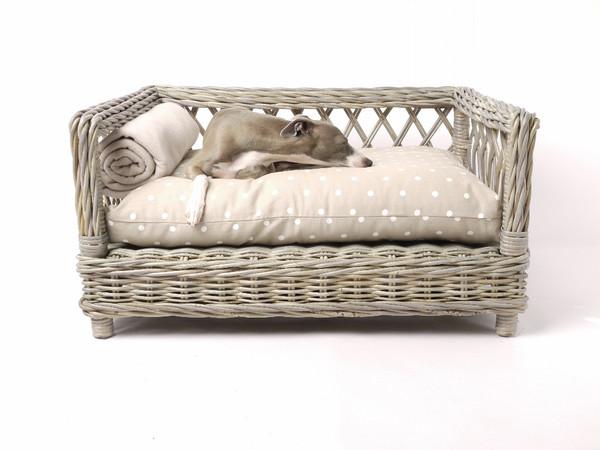 charley-chau-raised-rattan-dog-bed-dotty-taupe-mattress-01_grande.jpg