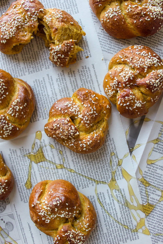 Pumpkin challah rolls 3.jpg